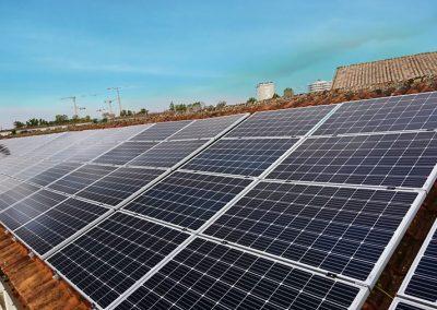 toiture de l'école Sembat après l'installation photovoltaïque, pour la réalisation des projets de Bègles
